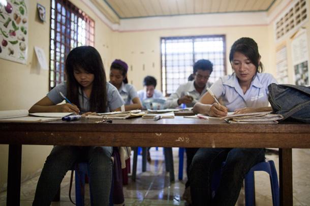 Cours, Le Tonlé, hôtel d'application au Cambodge